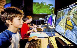 Minecraft учит детей программированию