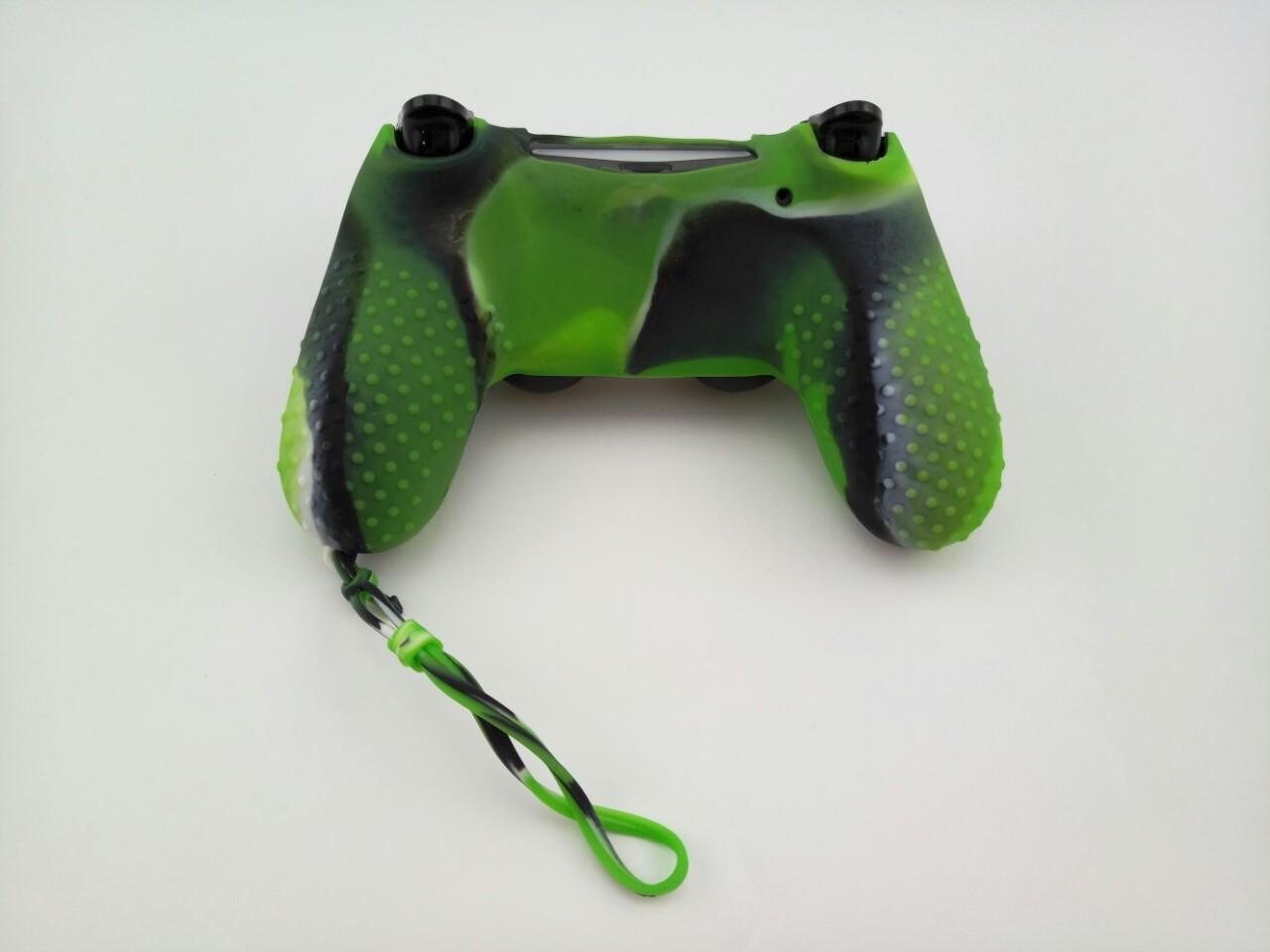 Силиконовый чехол для джойстика PS4 с ремешком(Зеленый Камуфляж)