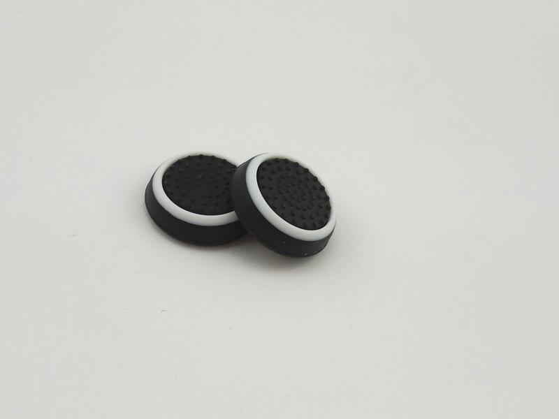 PS4/XOne/PS2/PS3/X360 накладки на ручки аналогов (черно-белые)-thumb